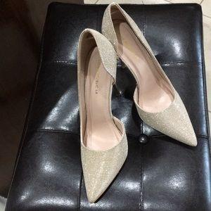 Almost new Gold glitter stilleto heels